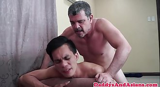 Daddy doggystyling filipino youngster bareback