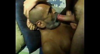 Coroa barbudo chupando o pau gostoso, video completo http://zipansion.com/3k0pO