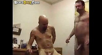 Shaved Daddy Gets A Face Cumbath