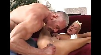 Daddy Plays With His Lad (dads-lap.blogspot.com)