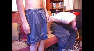 Young Shane Sucks Juice Off and Makes Him Cum